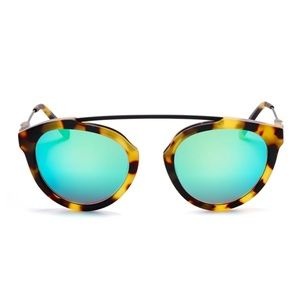 Westward Leaning Flower Sunnies